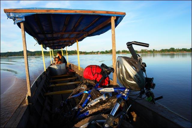 Laos - Atravessando o Mekong_6